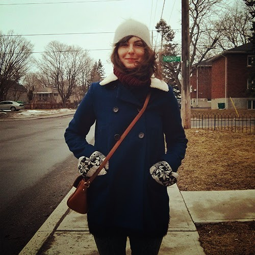 ootd, navy coat, burgundy scarf, kashmir beanie, red lips, fashion blogger Canada, spring fashion, Canada fashion