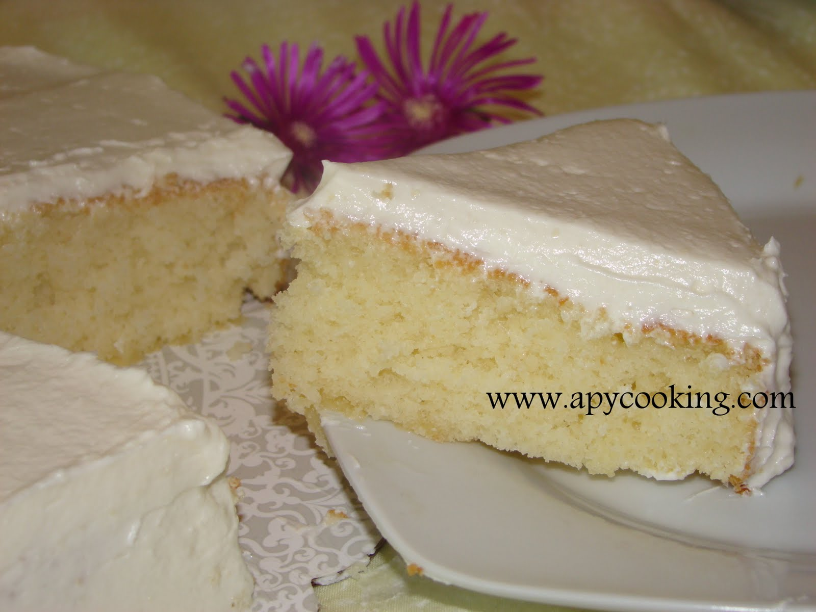 basic yellow cake photos yellow butter cake recipe recipe basic yellow ...