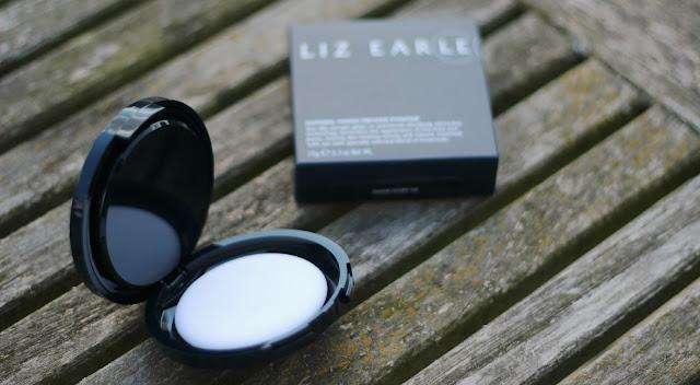 liz-earle-matte-powder