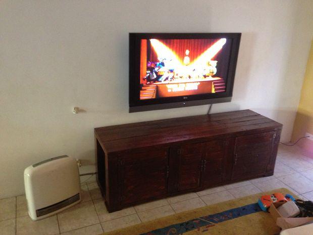 Muitas vezes Como fazer rack para tv feita de palets, palet, palete | Do It  QX95