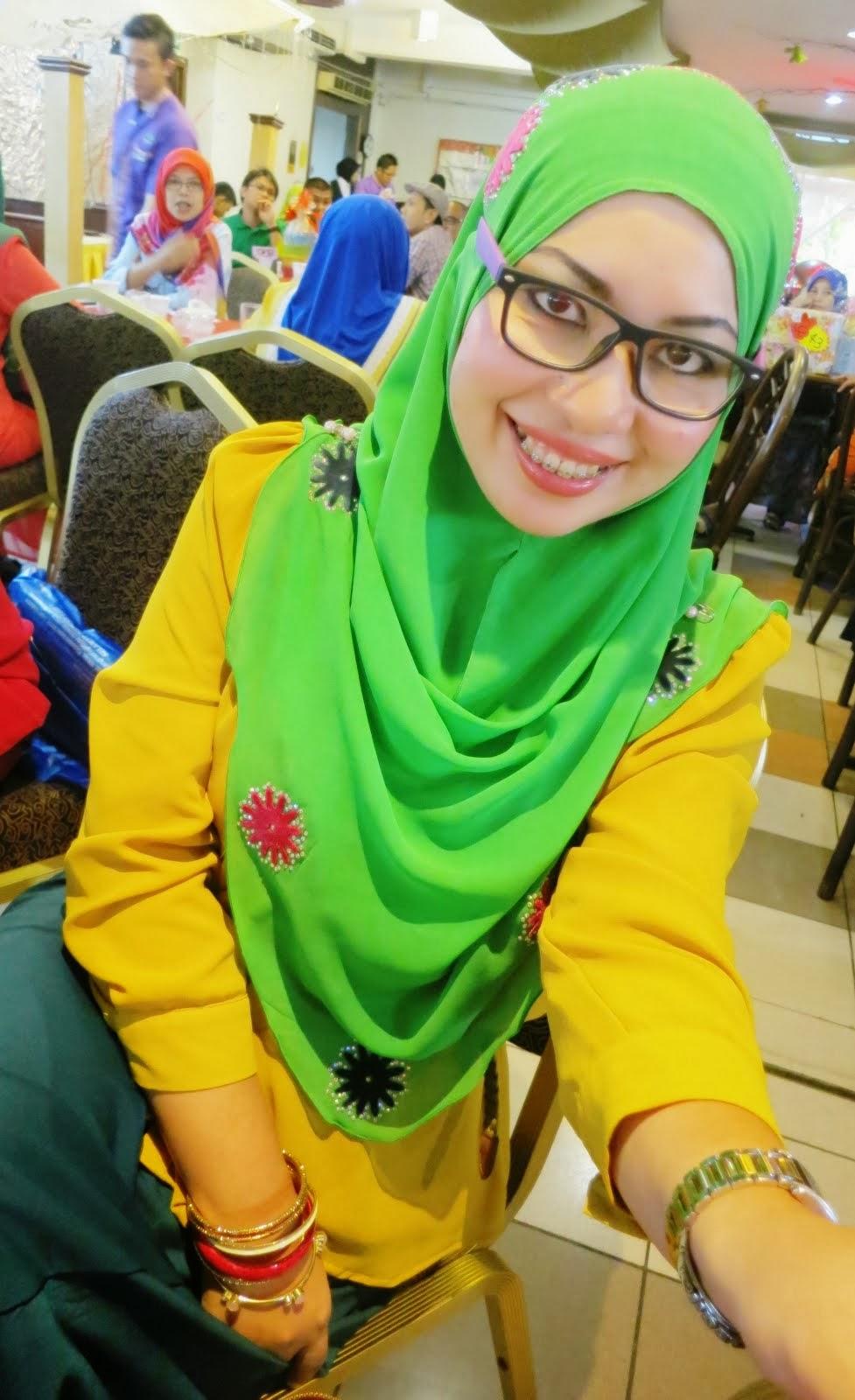 Cikgu CT DQistee Beauty