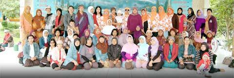 Darmawanita Sub Dinas Kebersihan Kotif Jakarta Barat di Panggung Terbuka Wisata Darma