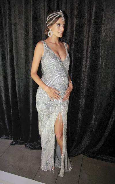Alessandra Ambrosio Pregnant Pics 24