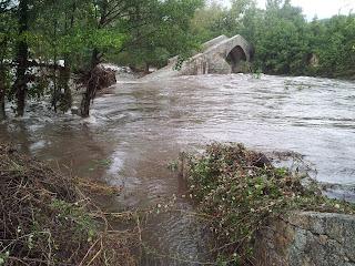 Le pont Spin'a cavaddu sur le Rizzanese : crue d'octobre 2015