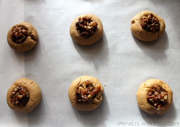 Sprinkles and Style || Chocolate Chip Pecan Pie Cookies