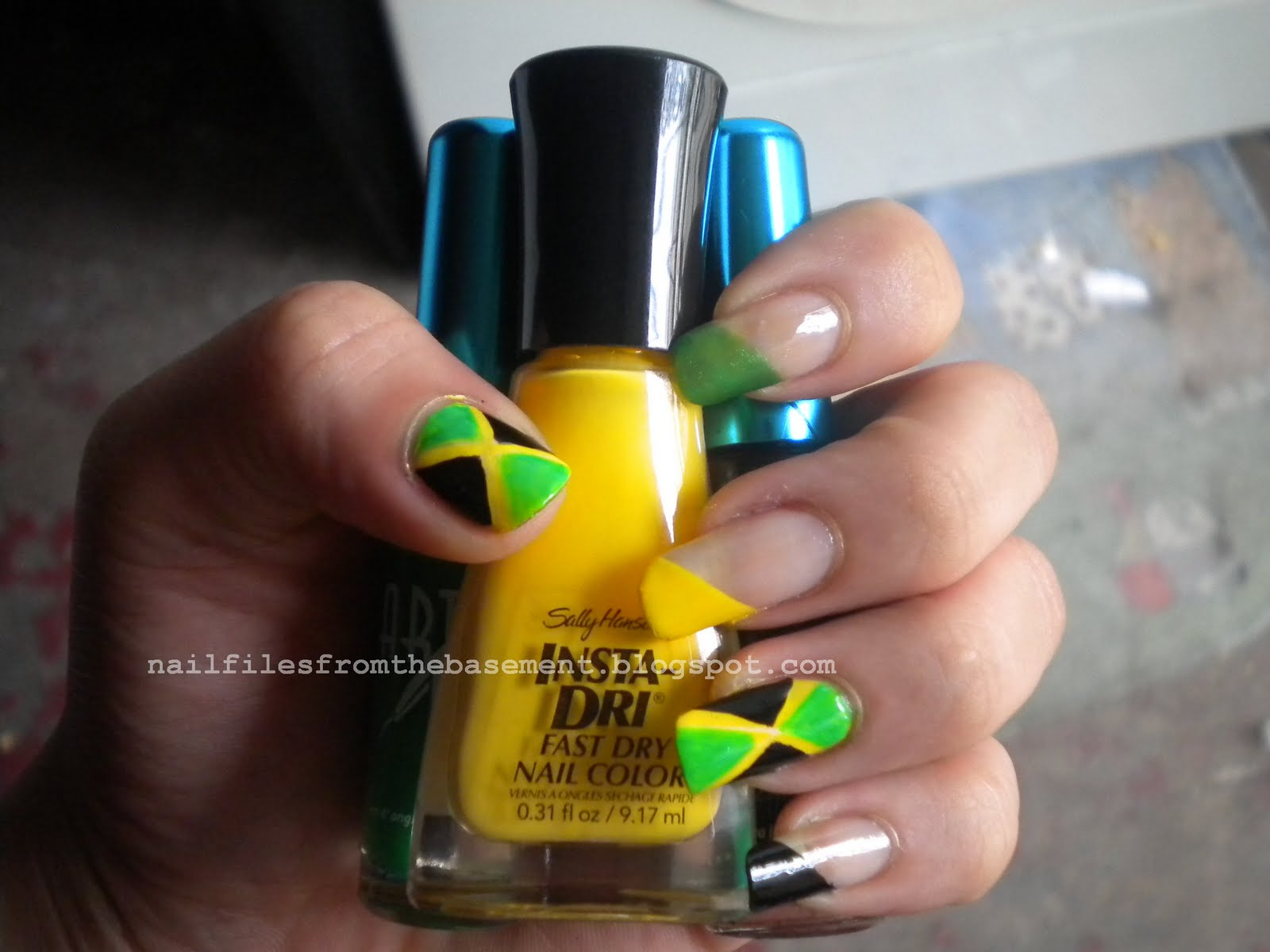 Nail-Files From The Basement: Jamaican Flag Nails