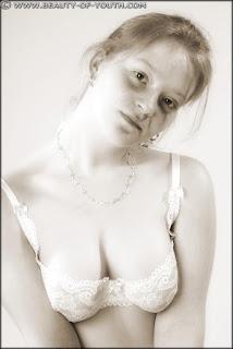 顽皮的女孩 - rs-yob_lnd_003_Linda_003_013-779011.jpg