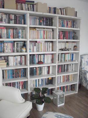 beyaz eskitme kitaplık