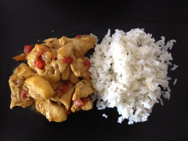 Pollo al curry con plátano