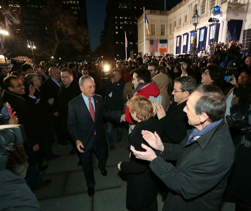 Жители Нью-Йорка провожают уходящего мэра