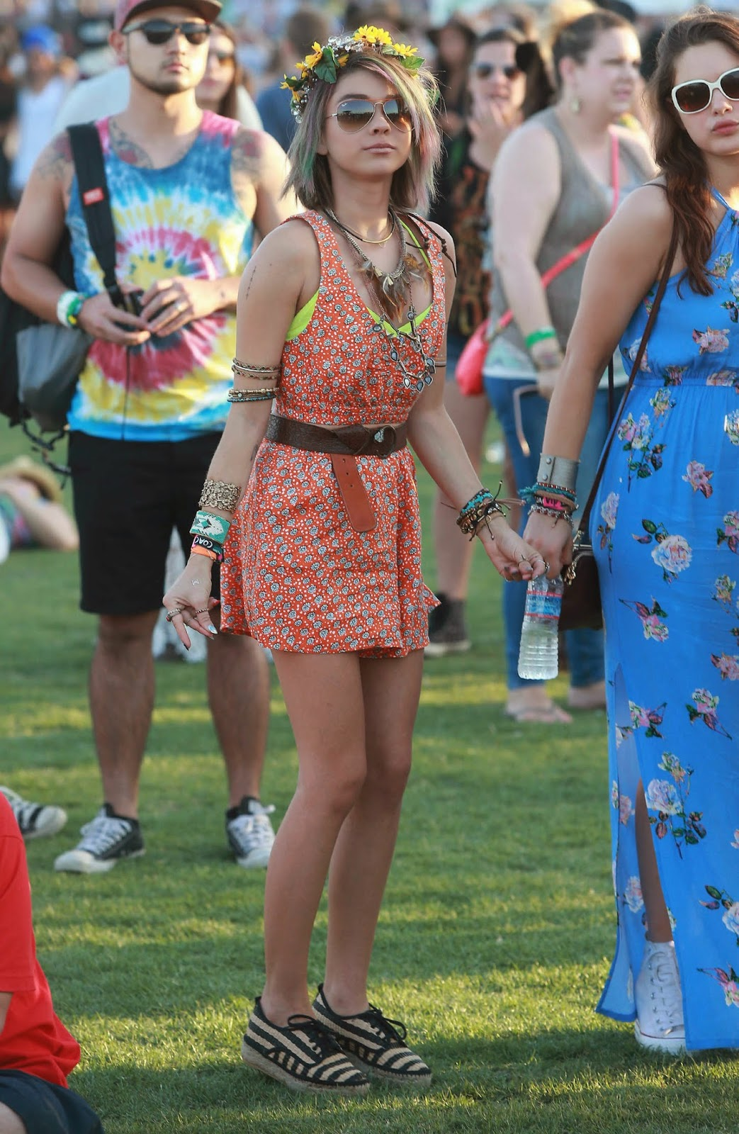 Sarah Hyland – Coachella Music Festival Day 2 in Indio