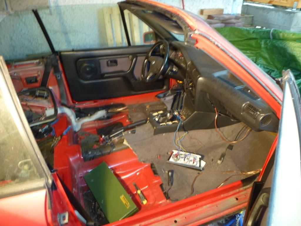 BMW E30 Cabrio Neuaufbau  Umbau Armaturenbrett und