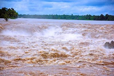 Khone Falls at Si Phan Don Phapheng