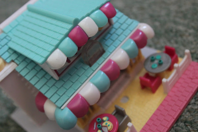 polly pocket cafe