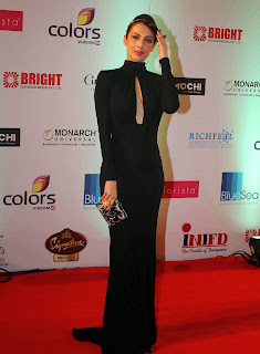 Actress Malaika Arora Khan Pictures in Black Dress at Femina Miss India 2014 Finale 4