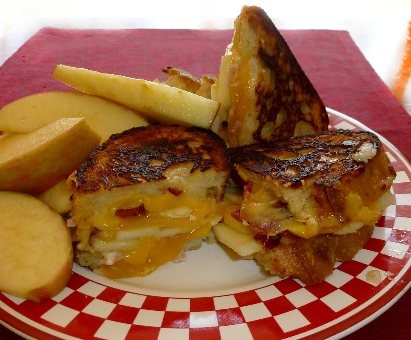 Savory Table: Grilled Apple-Bacon-Cheddar Sandwich with Roasted Red ...