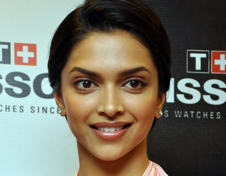 Deepika Padukone Unseen latest Rare Pics in red bra and tight black panty