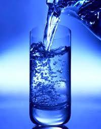 membersihkan air