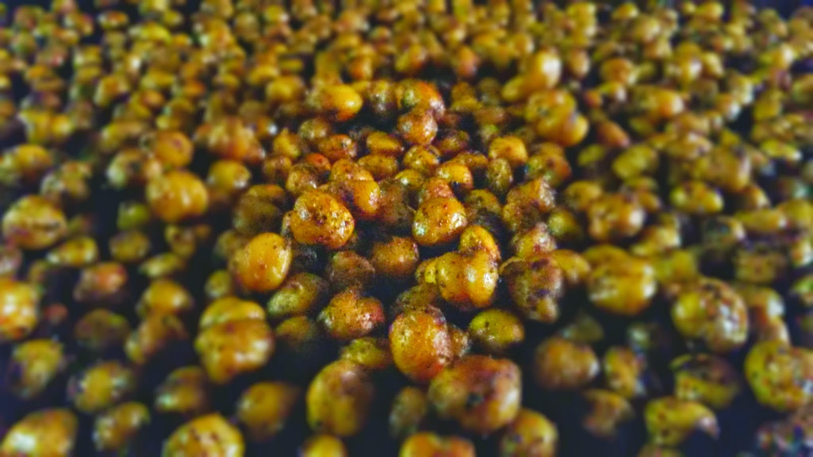 Crunchy Smoky Chat Masala Chickpeas