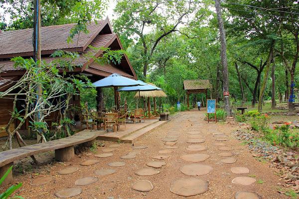 Restaurante en las cataratas Khone Phapheng