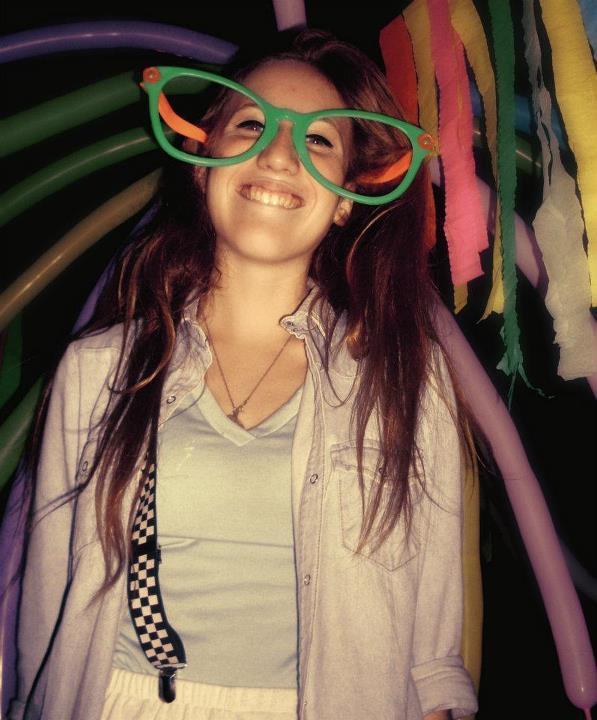 No tengo todo calculado ni mi vida resuelta, sólo tengo una sonrisa que regalar.