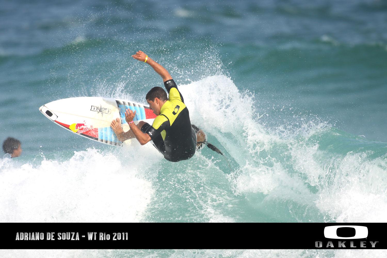 Circuito Mundial De Surf : Allan menache: adriano de souza o campeão do rio pro´ etapa do
