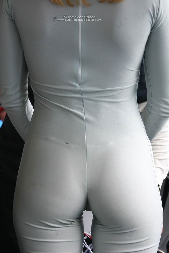 Mujeres Con Calzas Post Blancas Hermosas