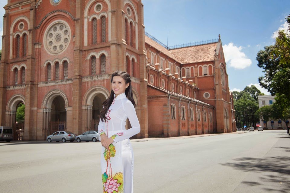Ho chi minh girl, beautiful places in Vietnam through eyes of foreigners, new beautiful places to see in Vietnam