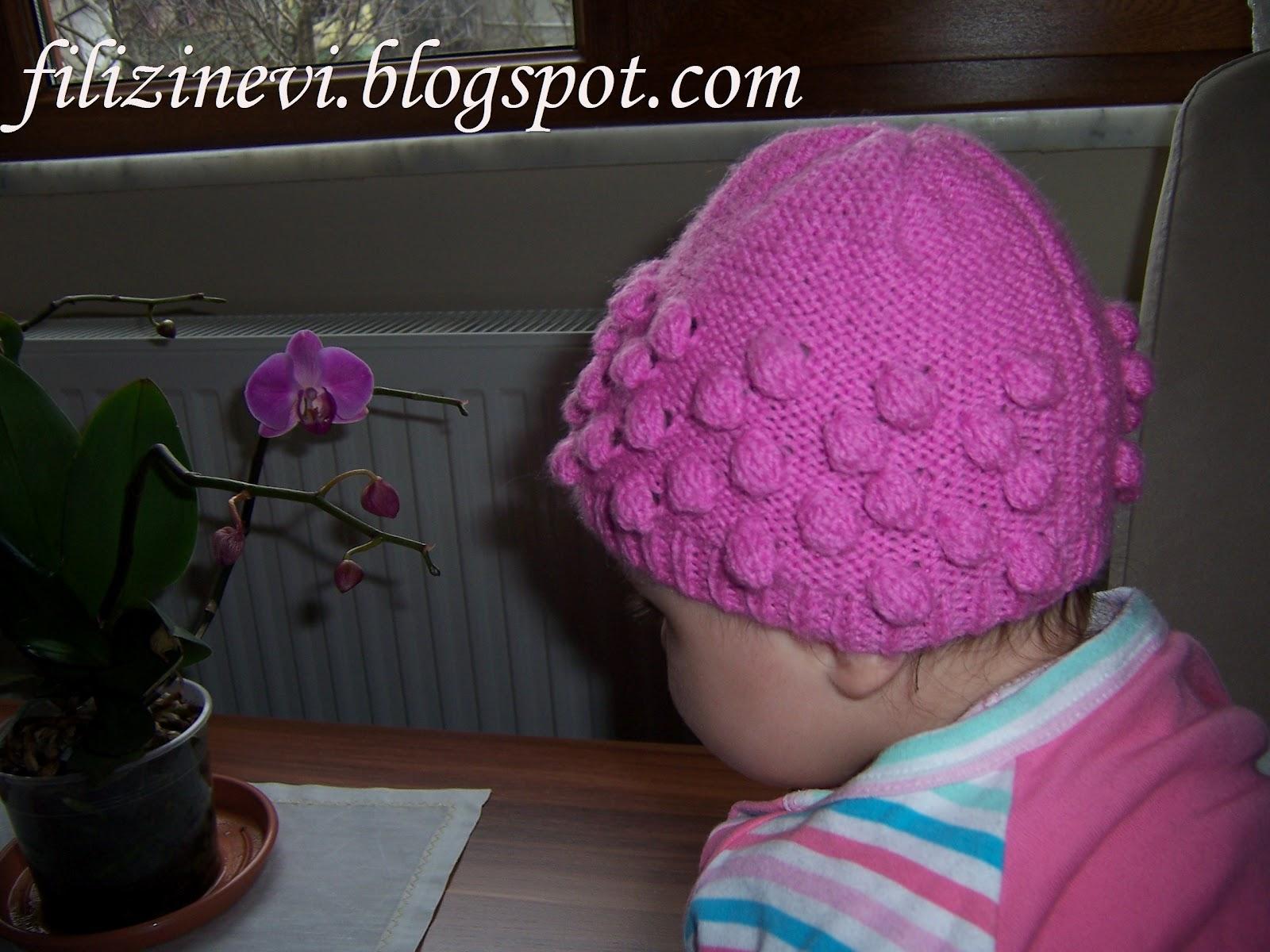 Yaprak-ve-çiçek-desenli-şapka-modeli