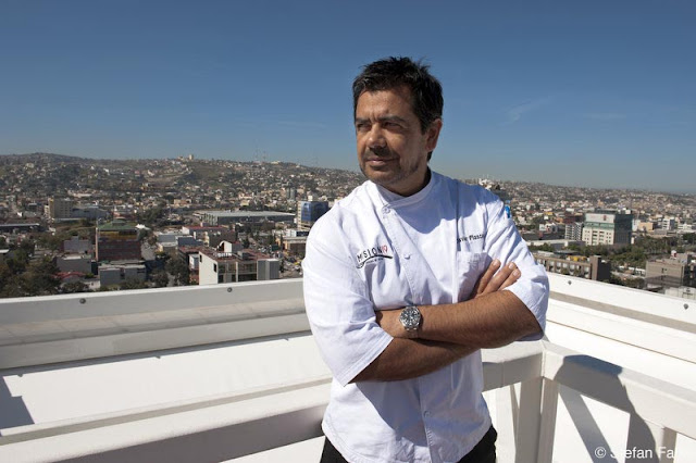 Local chef wants to show off and serve the breakfast himself - 1 10