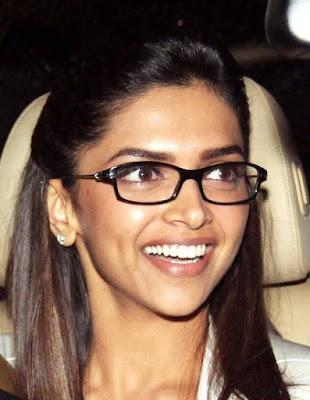 Deepika Padukone cute smile