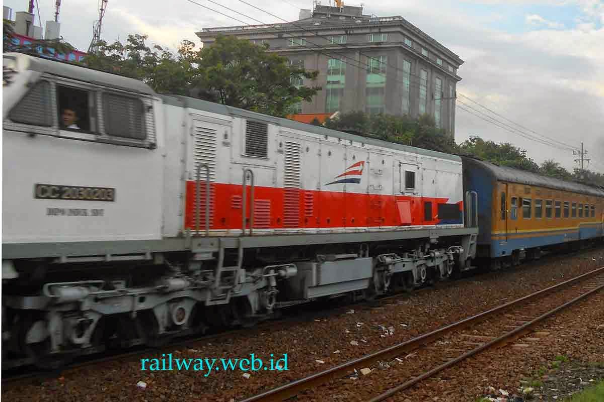 gambar lokomotif CC20340