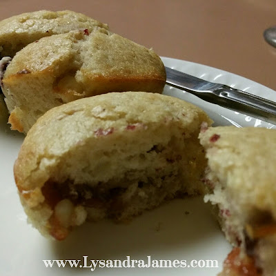 Capsule Cooking: Muffins - one recipe, hundreds of variations! www.LysandraJames.com