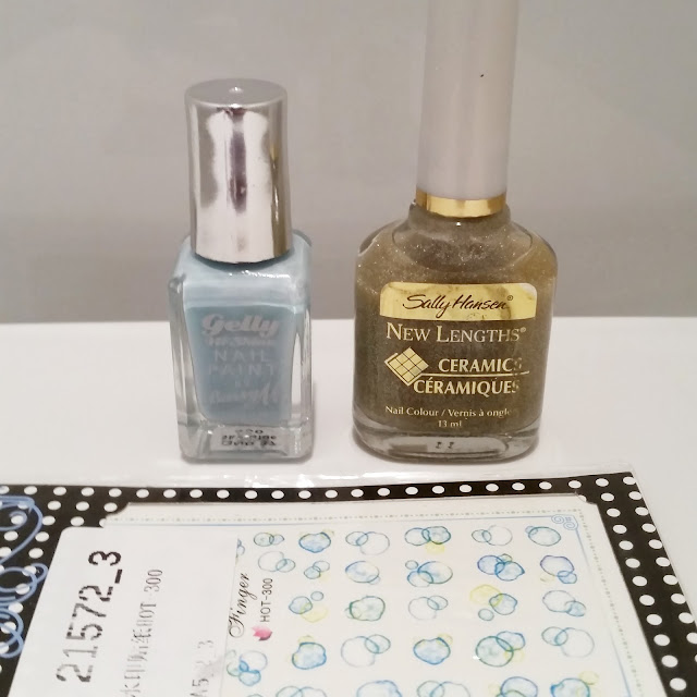40-great-nail-art-ideas-glitter-topper-water-decals-bubble-nails (3)