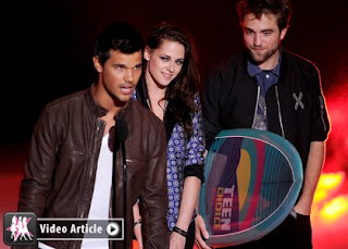 Robert, Kristen & Taylor Win BIG at the 2012 Teen Choice Awards » Gossip | Robert Pattinson | Kristen Stewart | Taylor Lautner