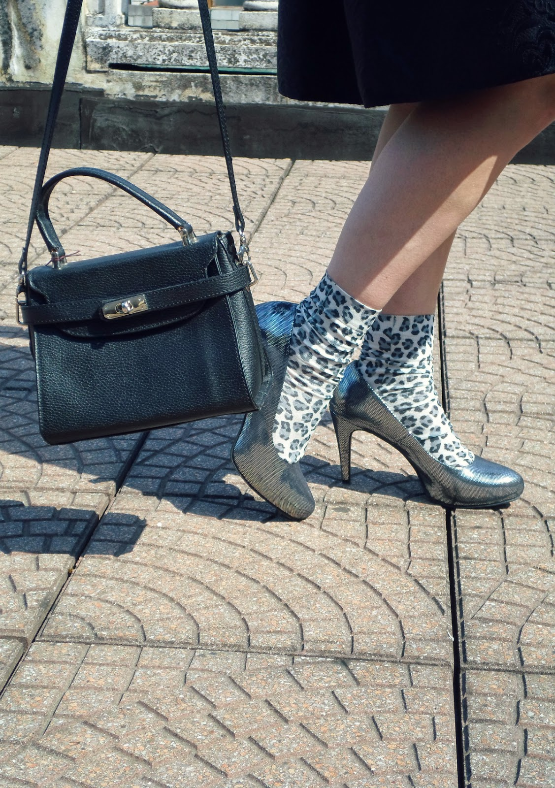 Black Bag, Silver Heels & Leopard Socks    When Black Meets Silver - Spring Midi Skirt Love   Funky Jungle, fashion and personal style blog
