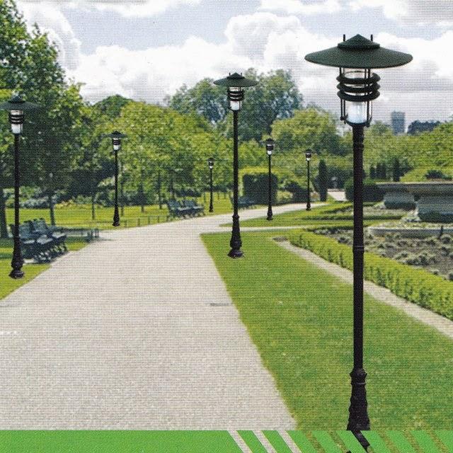 Cột đèn chiếu sáng sân vườn mang lại vẻ đẹp cho khu vườn