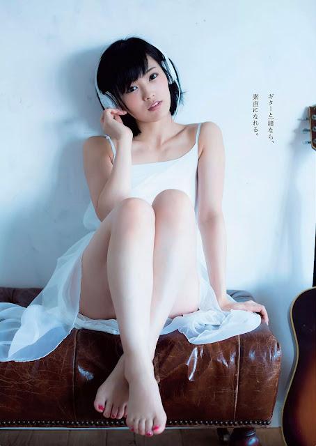 Yamamoto Sayaka 山本彩 Guitar Weekly Playboy Oct 2015 Pics 4