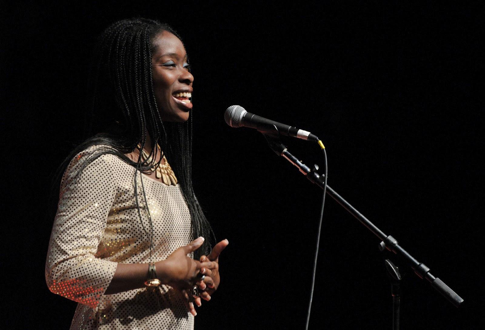 http://1.bp.blogspot.com/-pM8RcziiBz8/UG8Pi6wFOSI/AAAAAAAAFro/68WIMU1EoqI/s1600/Iyeoka_performs_at_the_TEDxMidAtlantic_Conference_2010.jpg