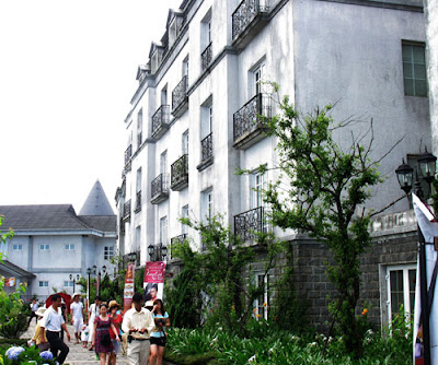 Ba Na hills travel - Road to the Penglai