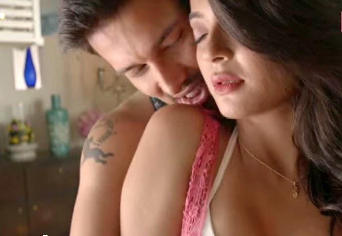 surveen chawla hot cleavage pics