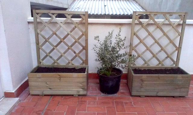 Antes y despu s el patio de m nica y sus diys - Celosia con jardinera ...