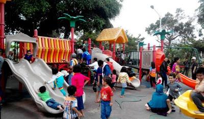 fasilitas bermain anak di alun alun kota batu