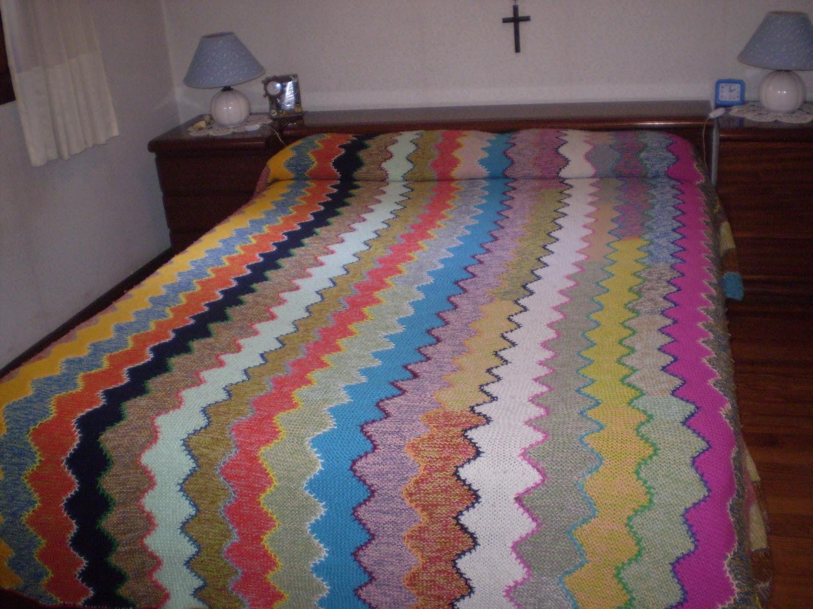 Un poco de patchwork colcha de invierno a dos agujas for Colchas de punto de lana