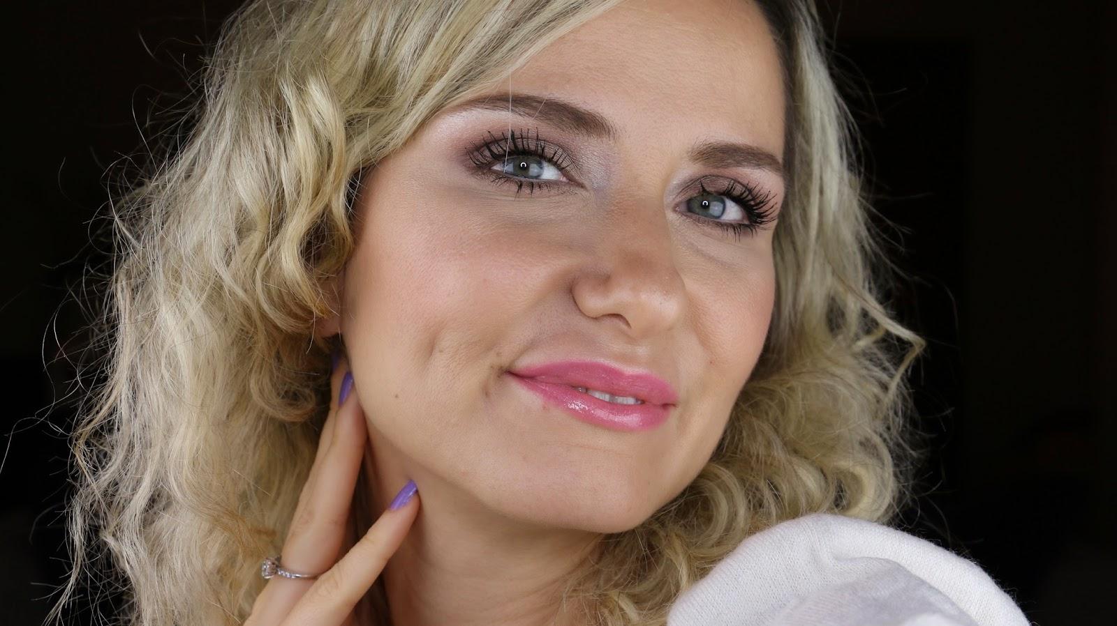 sevgililer günü makyajı, makyaj blogları, kozmetik blogları, türk youtuber, vlogger, makyaj uygulaması ,valentinesday makeup
