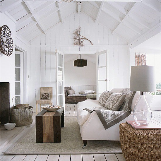 Coastal style hamptons chic for Modern cottage living room ideas