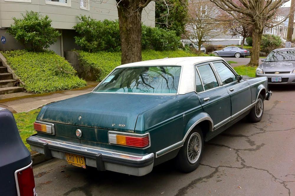 old parked cars 1980 ford granada. Black Bedroom Furniture Sets. Home Design Ideas