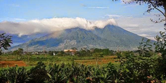 Gunung Salak, Indonesia yang sakral