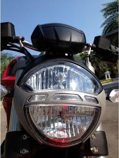 new ducati monster 795 head light