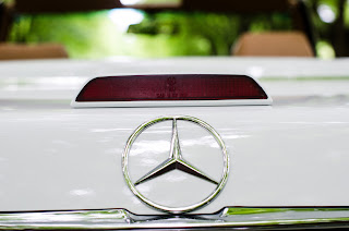 18 Mercedes-Benz 560SL R107 1988